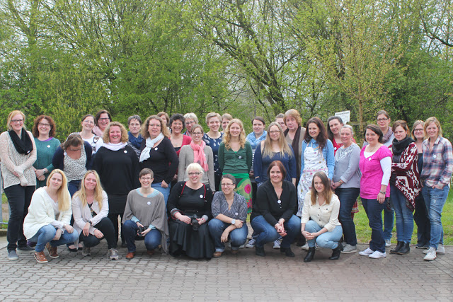 Crop in den Mai 2016 | Scrapbooking-Event | Tolle Menschen | Gruppenfoto | piecesforhappiness.de